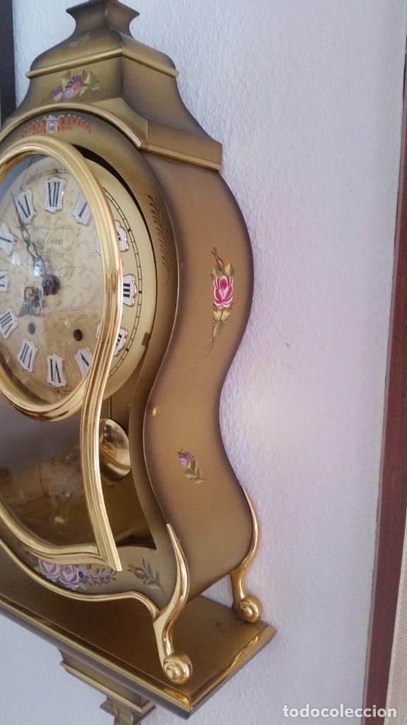 Relojes de pared: ANTIGUIO Y PRECIOSO RELOG ELUXA HECHO MADERA Y PINTAD MANO FONCIONA PERFECTO,TOCA LAS CAMPANAS AN 30 - Foto 3 - 244495000