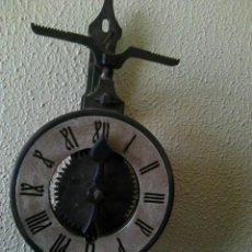 Relojes de pared: RELOJ DE PARED. Lote 245647110