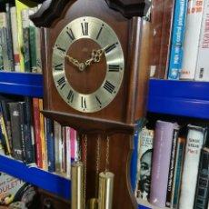 Relojes de pared: RELOJ DE PARED DE CUERDA ALEMÁN DE PESAS COLGANTE. Lote 246021810