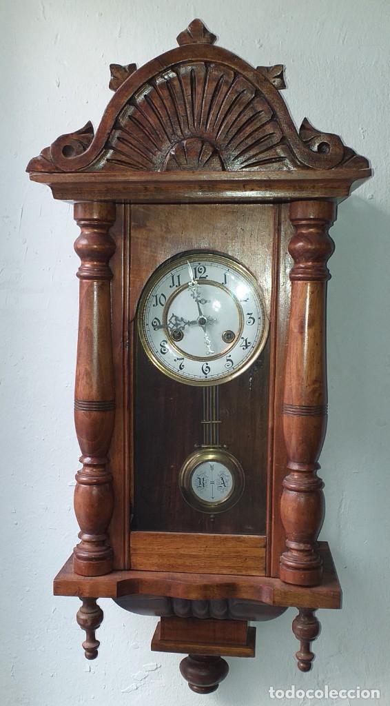 RELOJ DE PARED PRIMER CUARTO SIGLO XX MARCA KIENZLE - FUNCIONA (Relojes - Pared Carga Manual)