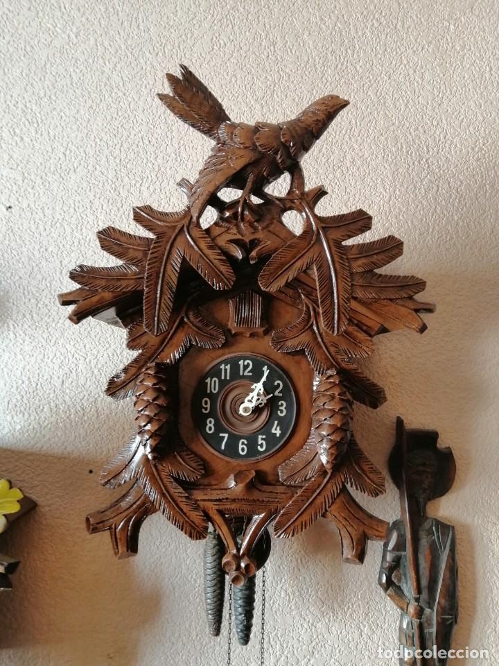 GRAN RELOJ DE CUCO. REVISADO Y OK. GRANDES TALLAS. 60 CM DE ALTO SIN CONTAR PÉNDULO NI PESAS. (Relojes - Pared Carga Manual)