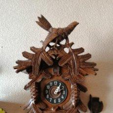 Relojes de pared: GRAN RELOJ DE CUCO. REVISADO Y OK. GRANDES TALLAS. 60 CM DE ALTO SIN CONTAR PÉNDULO NI PESAS.. Lote 246907045