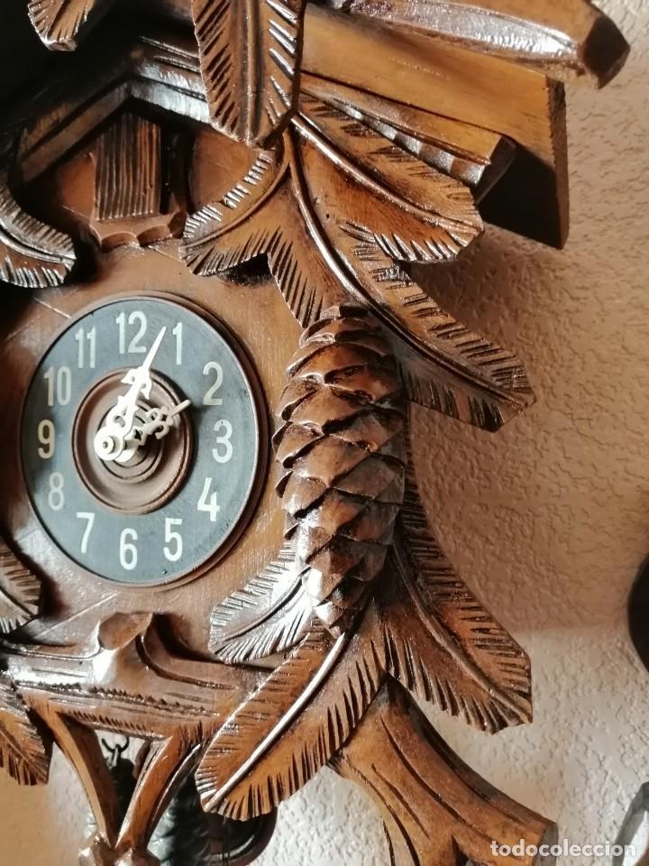Relojes de pared: GRAN RELOJ DE CUCO. REVISADO Y OK. GRANDES TALLAS. 60 CM DE ALTO SIN CONTAR PÉNDULO NI PESAS. - Foto 2 - 246907045