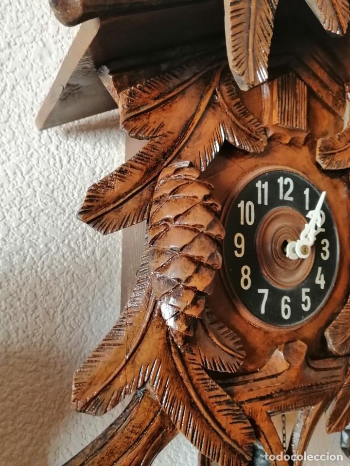 Relojes de pared: GRAN RELOJ DE CUCO. REVISADO Y OK. GRANDES TALLAS. 60 CM DE ALTO SIN CONTAR PÉNDULO NI PESAS. - Foto 3 - 246907045
