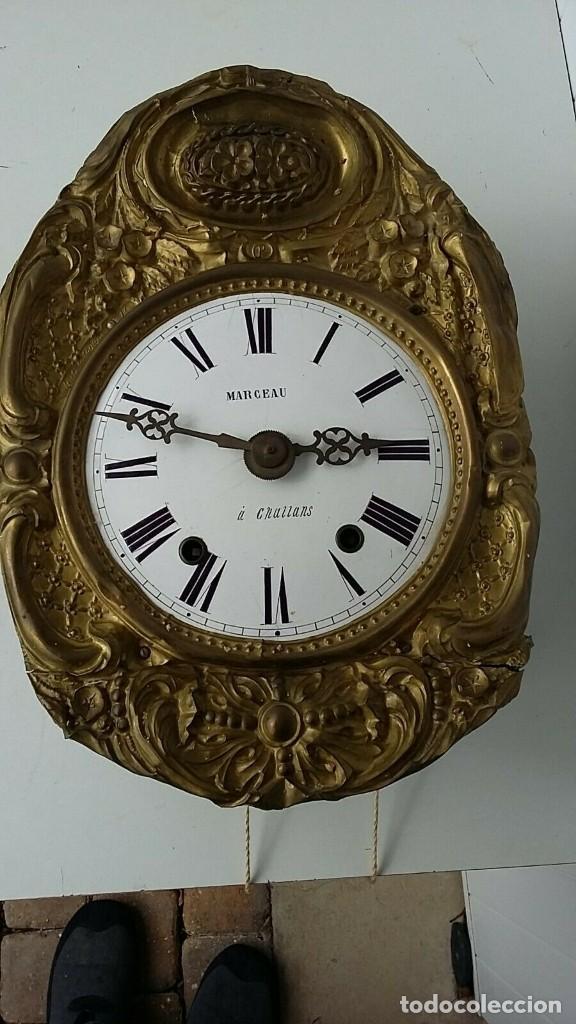 ANTIGUA MAQUINARIA MOREZ DE PESAS- ADORNOS FLORALES BUEN ESTADO- FUNCIONAL- AÑO 1880- (Relojes - Pared Carga Manual)