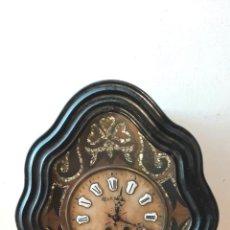 Relojes de pared: RELOJ PARED OJO DE BUEY. DECORACIÓN NÁCAR.. Lote 248400010