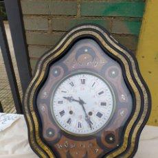Relojes de pared: ANTIGUO RELOJ OJO DE BUEY CON NÁCAR SIGLO XIX. Lote 248737040