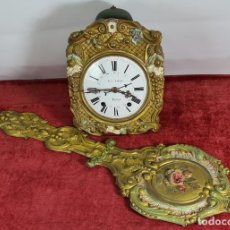 Relojes de pared: RELOJ DE MOREZ. JUAN VICAT. PALMA. MAQUINARIA COMPLETA. LATON DORADO. SIGLO XIX-XX.. Lote 250313070