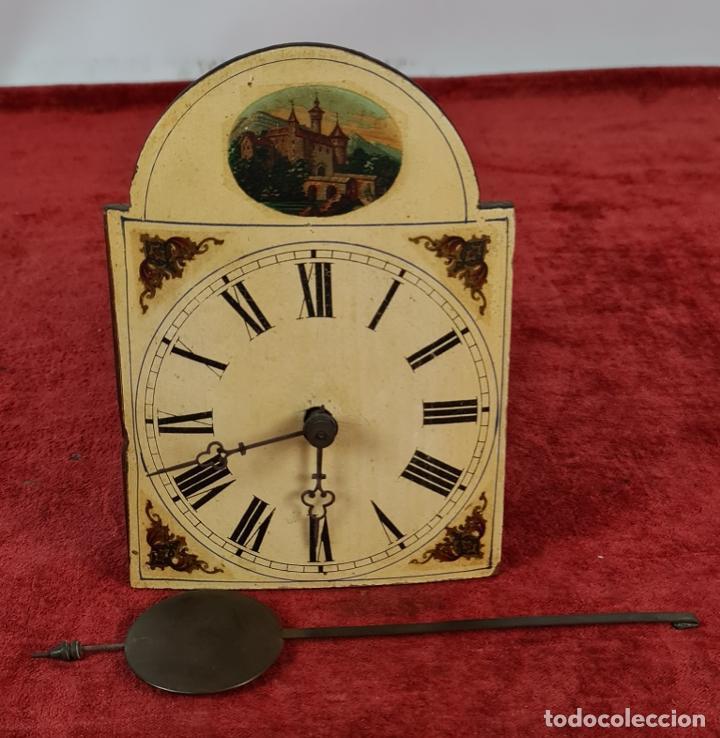 RELOJ DE PARED EN MADERA. RATERA. LA SELVA NEGRA. ALEMANIA. SIGLO XIX. (Relojes - Pared Carga Manual)