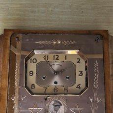 Relojes de pared: RELOJ DE CARRILLON CON INCRUSTACIONES JUDIAS. Lote 253699145