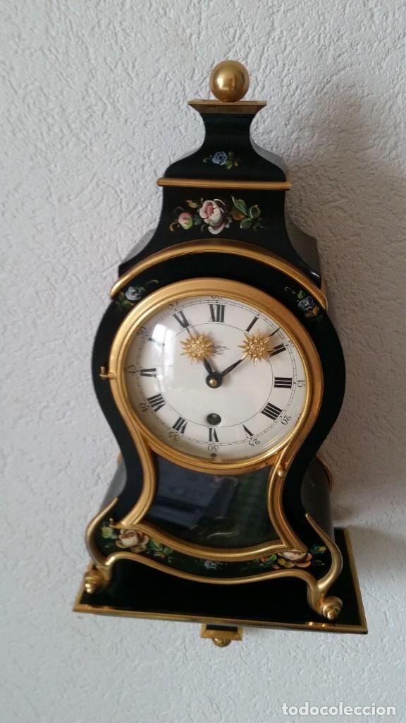 Relojes de pared: PRECIOSO Y ANTIGUIO RELOG DE PAREDE ,DU Chateaux MADE SUIZA HECHO EN LALIKE PINTADO A MANO ANOS 40. - Foto 3 - 253855745
