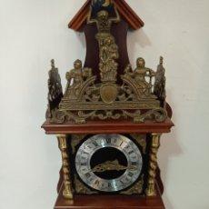 Relojes de pared: RELOJ DE PARED ANTIGUO EN PERFECTO ESTADO FUNCIONANDO PERFECTAMENTE. Lote 254038795