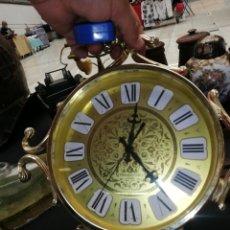 Relojes de pared: RELOJ DE COLGAR A PILAS MADE IN JAPÓN.. Lote 255544480