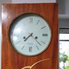 Relojes de pared: RELOJ PARED CARGA MANUAL AÑOS 70. Lote 257906130