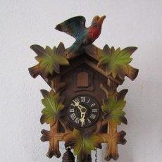 Relojes de pared: RELOJ ANTIGUO DE PARED ALEMÁN CUCU CUCO PÉNDULO FUNCIONA CON PESAS FABRICADO EN SELVA NEGRA ALEMANA. Lote 260096785