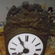 Relojes de pared: ANTIQUISIMA MAQUINARIA MOREZ PESAS-AÑO 1860-FUNCION DESPERTADOR-2 MARTILLOS-FUNCIONA-LOTE 334. Lote 260402245