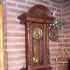 Relojes de pared: PRECIOSO RELOJ HENRI II JAPY FRERES-EN NOGAL- SONIDO CARILLON- AÑO 1900-10-FUNCIONA. Lote 261226975