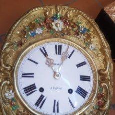 Relojes de pared: RELOJ MOREZ ANTIGUO DE CAMPANA PÉNDULO REAL MUY DETALLADO BUEN ESTADO FUNCIONA ALTA COLECCIÓN. Lote 261232425