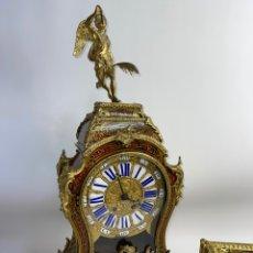 Relojes de pared: RELOJ DE BOULLE FRANCES EN BRONCE DORADO AL MERCURIO Y CAREY. S.XIX.. Lote 262578880