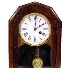 Relojes de pared: ANTIGUO RELOJ ALEMÁN DE ESTANTE FABRICADO HACIA 1900. Lote 267827294