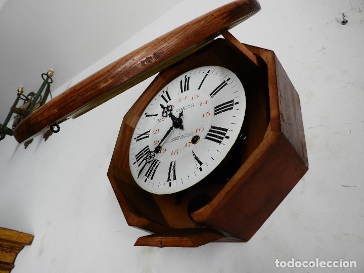Relojes de pared: RELOJ DE PARED REDONDO DE MADERA DE ROBLE SIN SONERIA - Foto 4 - 267859484