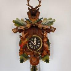 Relojes de pared: RELOJ DE CUCO FABRICADO EN LA SELVA NEGRA ALEMANIA.ESTA COMPLETO Y FUNCIONANDO, MAQUINARIA REGULA. Lote 269062413