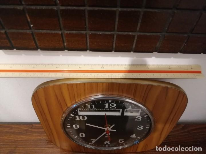 Relojes de pared: RELOJ JAZ AÑOS 60-70 DIA DE SEMANA Y MES REACONDICIONADO - Foto 2 - 270098698