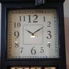 Relojes de pared: BONITO RELOJ DE PARED CON CALENDARIO(NUEVO). Lote 272999808