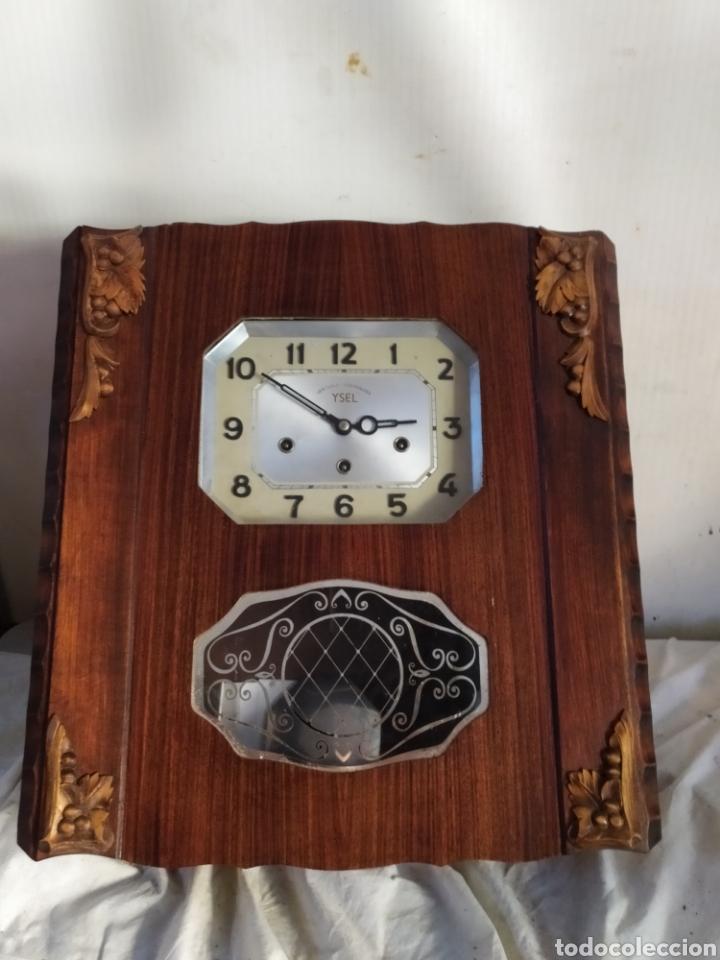 IMPRESIONANTE RELOJ ANTIGUO DE PARED CON SONERIA A CUARTOS (Relojes - Pared Carga Manual)