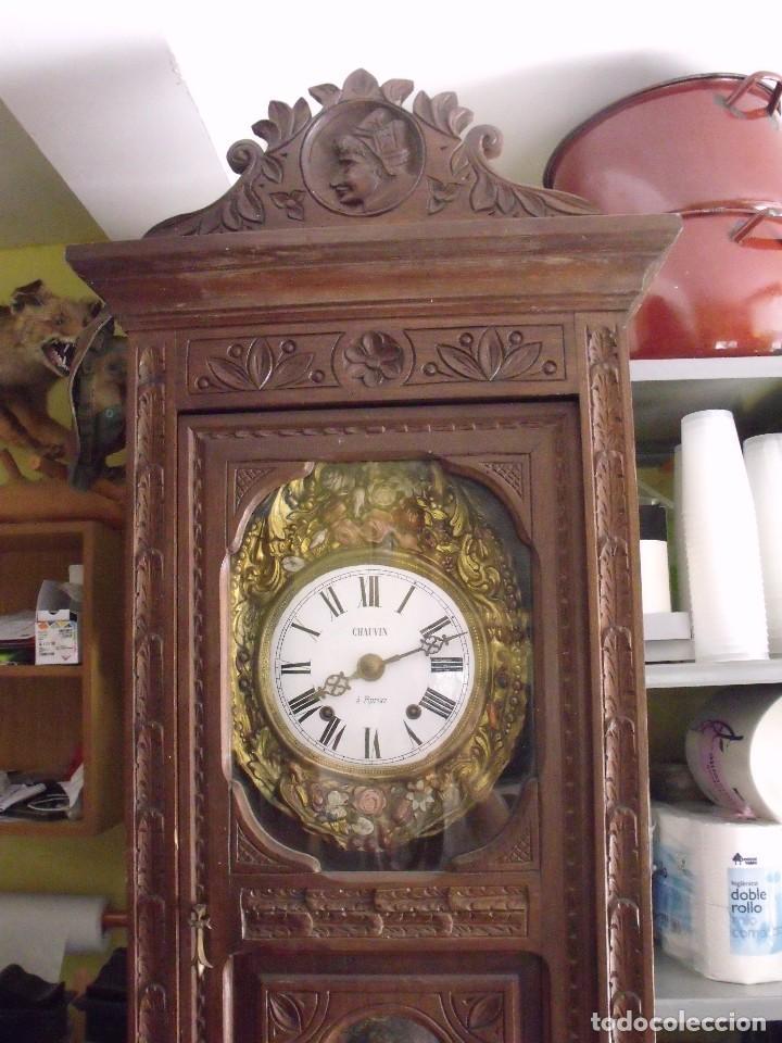 Relojes de pared: MAGNIFICO Y SEÑORIAL-RELOJ MOREZ PESAS-MUEBLE BRETON CON TALLAS-AÑO 1890-LOTE 313-FUNCIONA BIEN - Foto 2 - 276354833