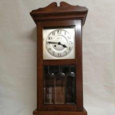 Relojes de pared: RELOJ DE PARED CON CAJA DE MADERA, DUACIR. Lote 276650923
