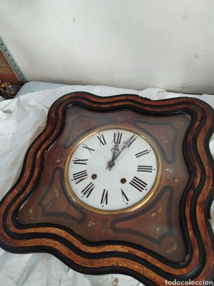 ANTIGUO RELOJ OJO DE BUEY CON INCRUSTACIONES (Relojes - Pared Carga Manual)