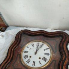 Horloges murales: ANTIGUO RELOJ OJO DE BUEY CON INCRUSTACIONES. Lote 276908423