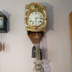 Relojes de pared: ANTIGUO RELOJ MOREZ - GRAN TAMAÑO - SIGLO XIX -CON INTERESANTE PENDULO.. Lote 277196718
