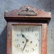 Relojes de pared: RELOJ ANTIGUO DE PARED CASA HUERTA ALCAZAR DE SAN JUAN 72 CMS. ALTURA X 32 X 15 CMS.. Lote 277513573