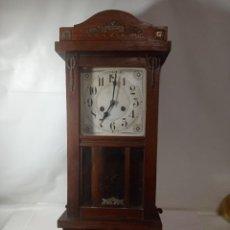 Relojes de pared: ANTIGUO RELOJ ÉPOCA MODERNISTA PARED A CUERDA. ORIGINAL NO COPIA. REF.AUTO. Lote 277515303