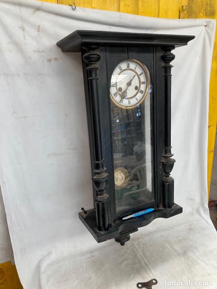 BONITO Y GRAN RELOJ DE PARED ANTIGUO! (Relojes - Pared Carga Manual)