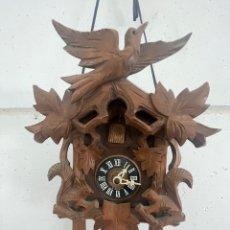 Relojes de pared: RELOJ DE CUCO ANTIGUO ECHO A MANO. Lote 280957038