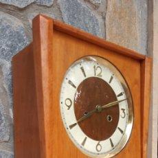 Relógios de parede: RELOJ DE PARED CARGA MANUAL , FUNCIONA PERFECTAMENTE. Lote 285088423