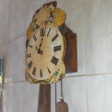 Relógios de parede: RELOJ RATERO MUY ANTIGUO Y RARO, TIENE LOS EJES DE MADERA..VER FOTOS Y DESCRIPCION.. Lote 285679578