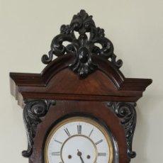 Relojes de pared: RELOJ DE PARED. ESTILO ALFONSINO. MADERA DE NOGAL. SELVA NEGRA. SIGLO XIX-XX. Lote 288930158