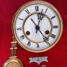 Orologi da parete: ANTIGUA MAQUINARIA H.A.C,(HAMBURG AMERICÀN CLOCK) CON PÉNDULO, SONERIA Y LLAVE.. Lote 289824058