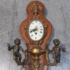 Relógios de parede: ANTIGUO RELOJ DE PARED CARGA MANUAL . MAQUINARIA EMES 52 - ANGELES DE BRONCE - FUNCIONANDO. Lote 290488247