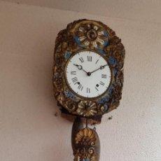 Orologi da parete: RELOJ MOREZ CAMPANA Y GONG DE PENDULO REAL MUY DETALLADO FECHADO L.P 1881 BUEN ESTADO FUNCIONA MIRA. Lote 291933013