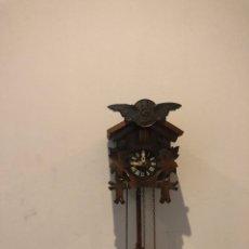 Orologi da parete: ANTIGUA RELOJ DE CUCO MADERA RESTAURADO . FUNCIONAMIENTO PERFECTAMENTE. Lote 293151578