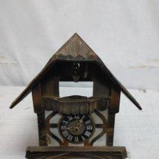 Relógios de parede: ANTIGUA CAJA CON MAQUINARIA DE RELOJ DE CUCO MADE IN GERMANY 25/72 REGULA. Lote 293568783