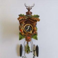 Relojes de pared: ANTIGUO RELOJ MECÁNICO CUCO CON BONITO DISEÑO. WEST GERMANY.. Lote 293603043