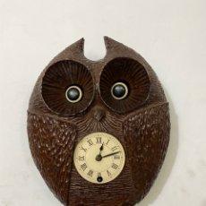 Relojes de pared: CURIOSO RELOJ BUHO DE CUERDA MUEVE LOS OJOS. VER LAS IMÁGENES. Lote 294579188