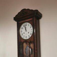 Relojes de pared: ANTIGUO RELOJ DE PARED FUNCIONANDO. Lote 295510888