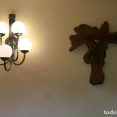 Relojes de pared: RELOJ DE ARBOL CYPRESS DE GRAN PESO Y TAMAÑO. Lote 295774853